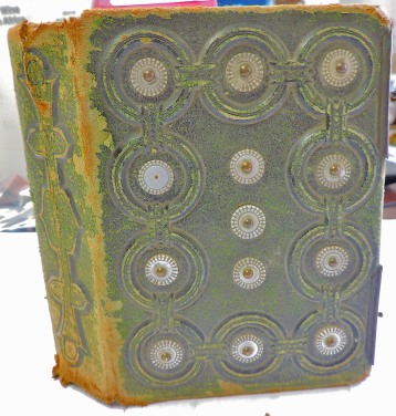 Lot 1 - a vewry ornate photograph album