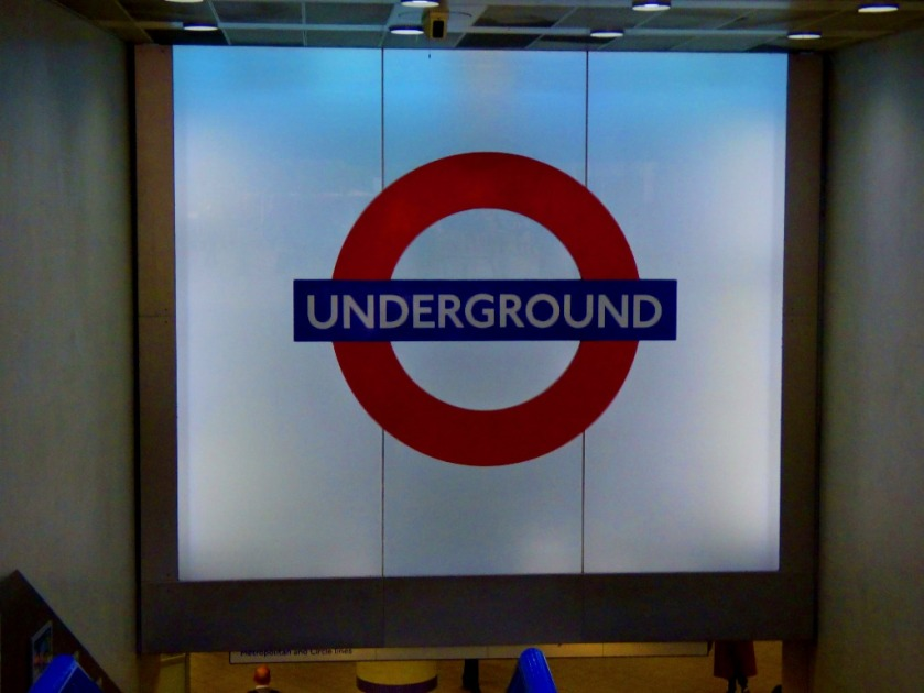 Giant Roundel, Kings Cross
