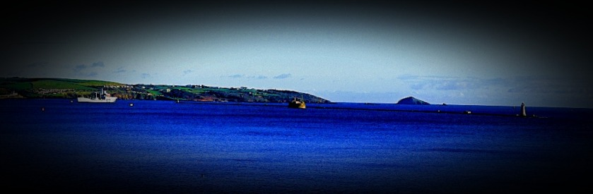 Ship and breakwater