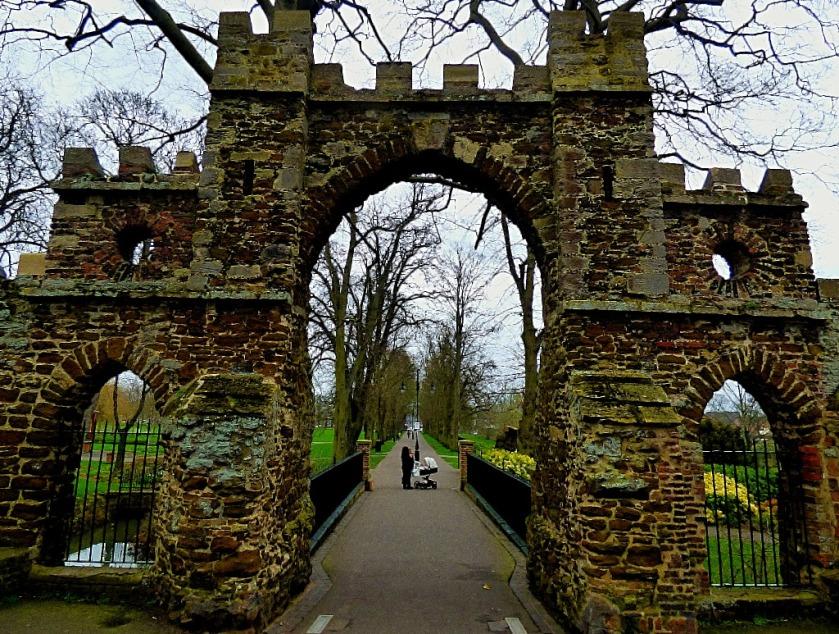 Guanock Gate