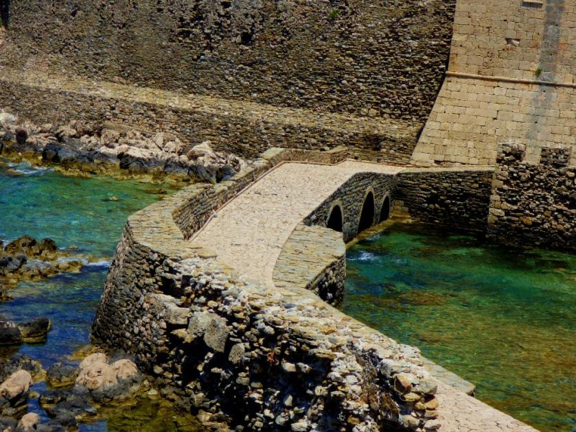 Bridge viewed from the Bourtzi