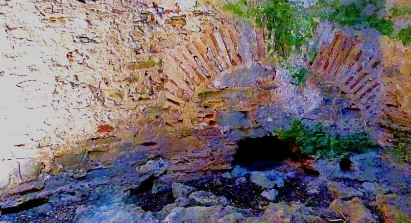 Byzantine brickwork, the Bourtzi