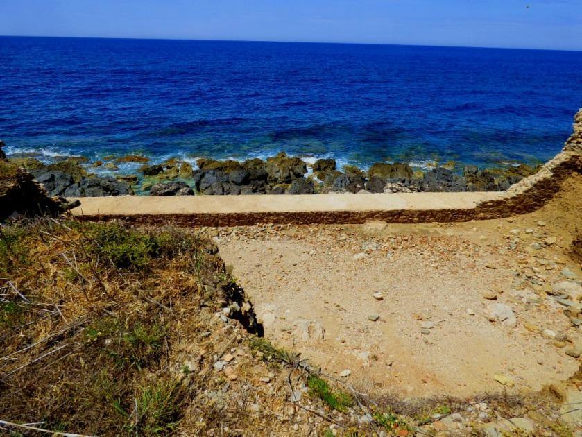 Sea defences, Methoni castle