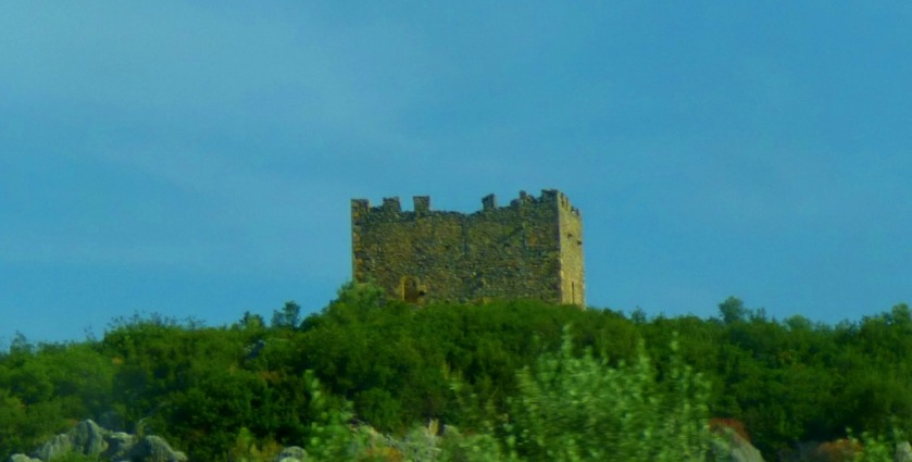 Small castle between Tseria and Kalamata