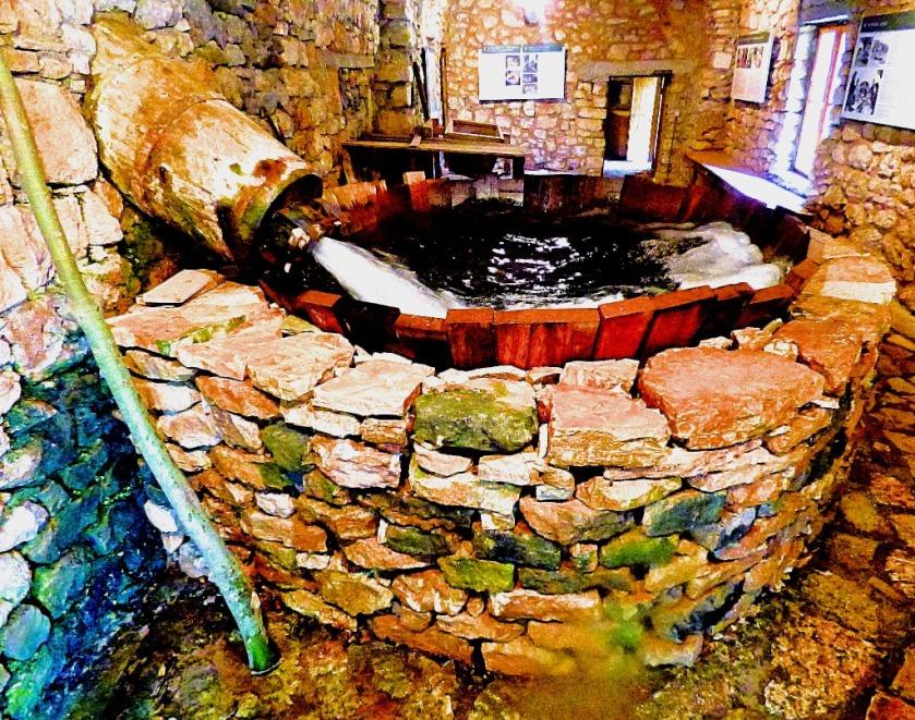 Fulling tub