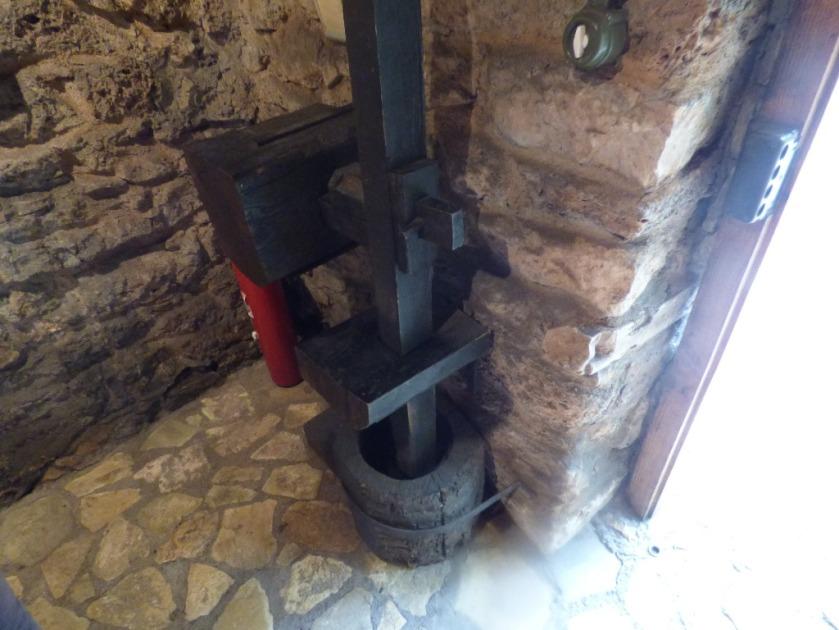 Gunpowder press