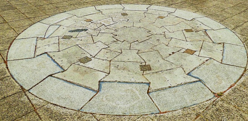 Circualr paving pattern
