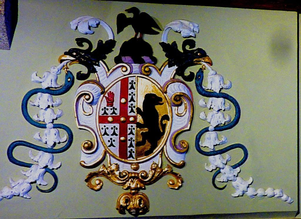 giant crest