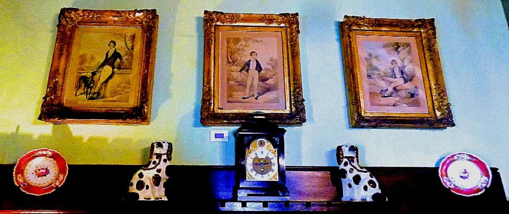 Mantelpiece and trio