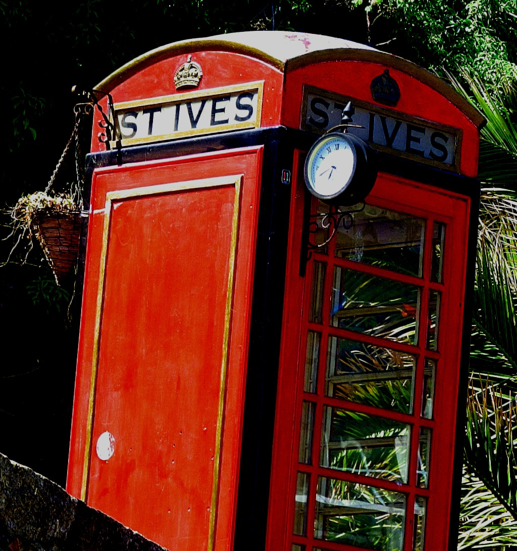 Old phone box, St Ives