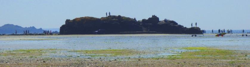 Outcrop observation point near start of causeway